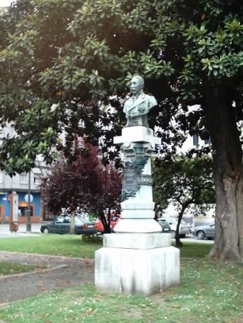 Monumento a Antonio Maria Dorado