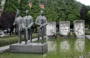 Monumento a los hermanos Felgueroso
