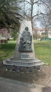 Monumento a los hermanos de la Salle en La Felguera Langreo