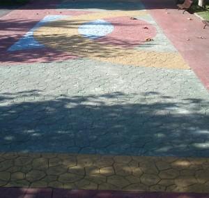 Mosaico en el parque Rosario Felgueroso de Ciaño Langreo obra de José Sánchez Prieto