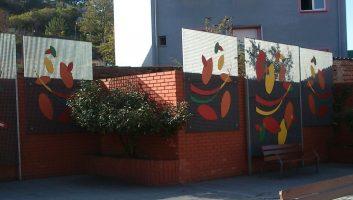 Paramentos verticales en acero pintado en Ciaño Langreo obra de José Sánchez Prieto