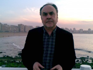 Alberto Piquero escritor periodista langreano