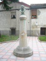 Monumento a José Llaneza maestro de Lada Langreo