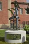 Escultura en recuerdo de Rufino Roces