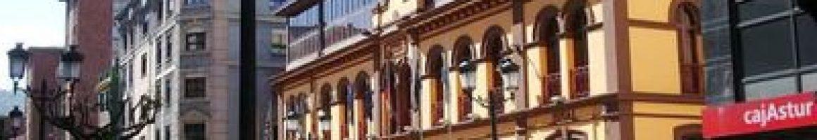 Casa de los Dorado Escuelas Casa de Cultura en Sama de Langreo